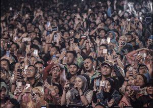 Nonton Konser Sambil Taruhan Judi Bola Online